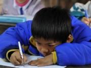 Y tế - Cảnh báo nguy cơ học sinh mắc bệnh cong vẹo cột sống