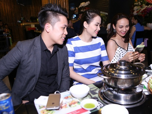 diem huong om chong tinh cam tai su kien - 3
