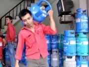 Mua sắm - Giá cả - Giá gas giảm thêm 12.000 đồng/bình 12 kg
