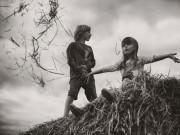 """Làm mẹ - """"Mê mẩn"""" bộ ảnh trẻ em vui hè không cần thiết bị công nghệ"""