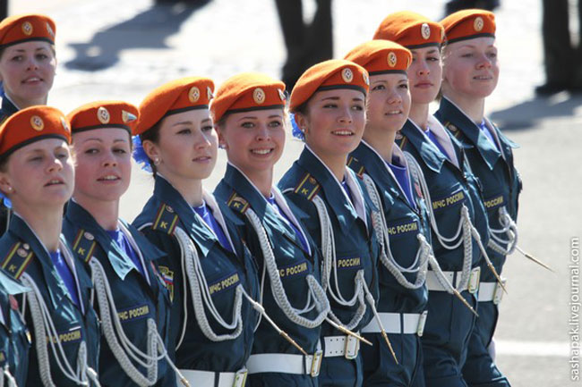 Vòng quanh thế giới ngắm các nữ chiến binh xinh đẹp