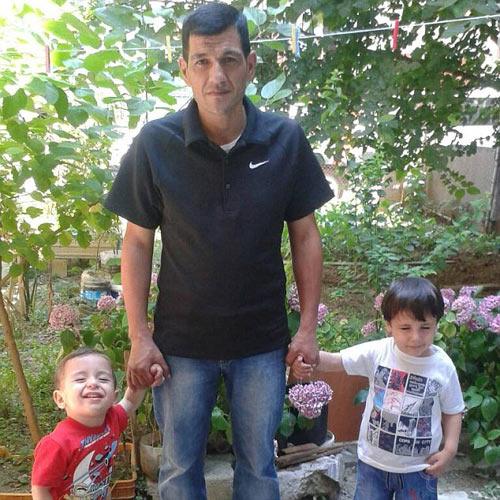 Xót xa giây phút tiễn đưa bé trai Syria chết đuối trên biển-10
