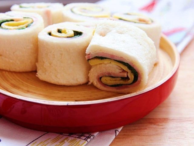 Bánh mì sandwich cuộn trứng nhanh gọn-9