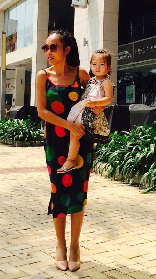 Chồng Đoan Trang chăm sóc con gái chu đáo-1