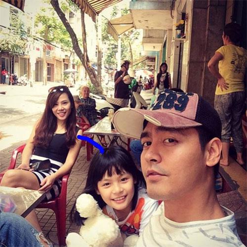 Chồng Đoan Trang chăm sóc con gái chu đáo-4