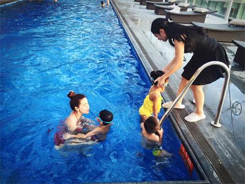 Hà Hồ đi bơi cùng con trai trong ngày nghỉ cuối tuần-3