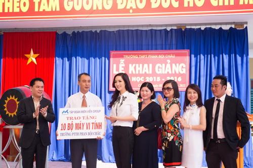 "hh giang my nhu ""gai doi muoi"" ben hh ngoc diem - 9"
