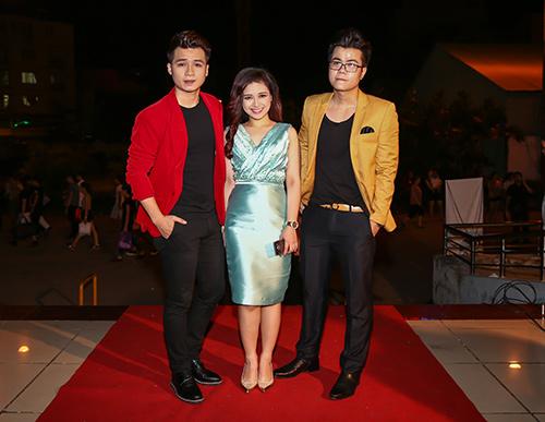 Dàn sao đua sắc trên thảm đỏ VTV Awards 2015 - 6