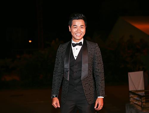 Dàn sao đua sắc trên thảm đỏ VTV Awards 2015 - 11