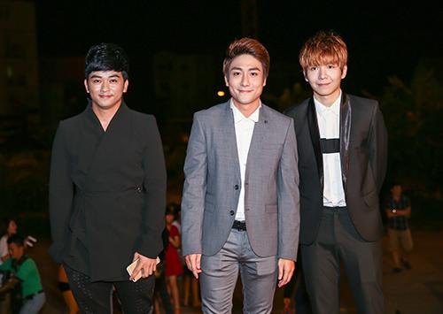 Dàn sao đua sắc trên thảm đỏ VTV Awards 2015 - 16