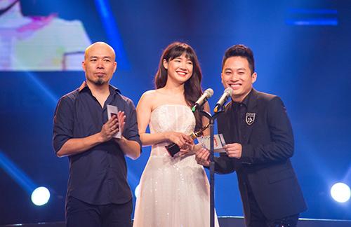 Dàn sao đua sắc trên thảm đỏ VTV Awards 2015 - 21