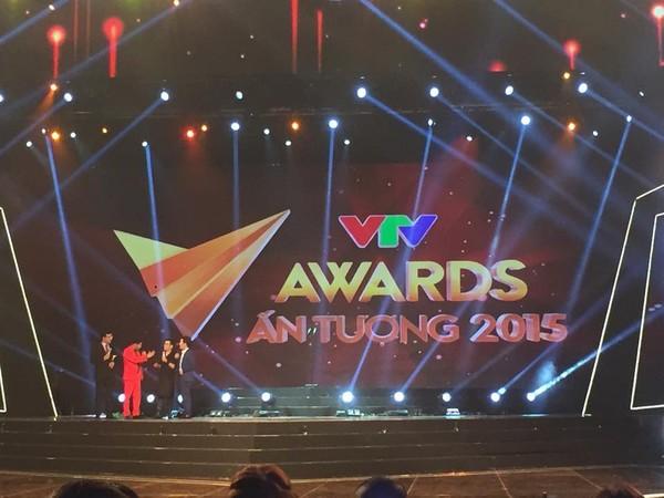 "my nam han ''vuot mat"" hong dang chien thang vtv awards - 1"