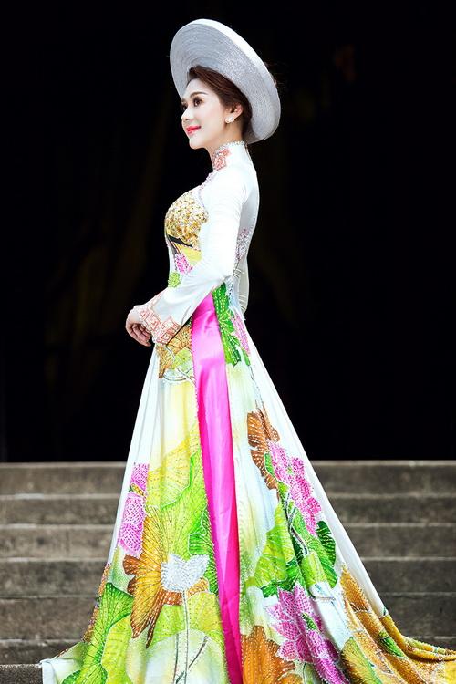 Lâm Chi Khanh mặc áo dài tha thướt như thiếu nữ - 14