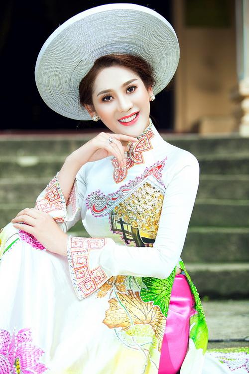 Lâm Chi Khanh mặc áo dài tha thướt như thiếu nữ - 16