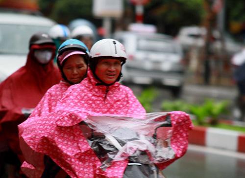 Hà Nội: Mưa lớn sáng sớm, nhiều tuyến phố ùn tắc kéo dài-5