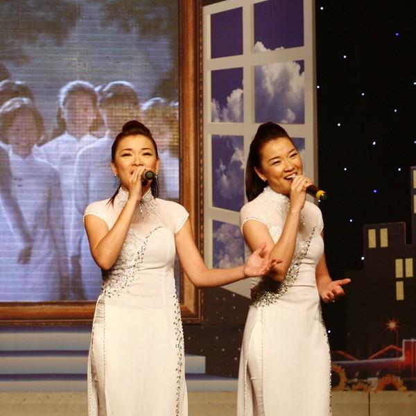 "hanh phuc dang ghen ty cua nhung nguoi dep ""tam ca ao trang"" - 5"
