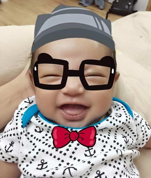 khanh thi lan dau khoe clip massage cho con trai - 6