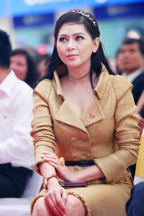 ly nha ky, tang thanh ha sang hon nho chat lieu kinh dien - 9