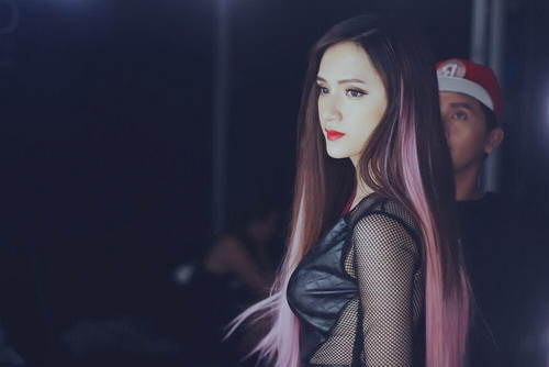 huong giang idol khoe toc tim ca tinh trong mv moi - 4