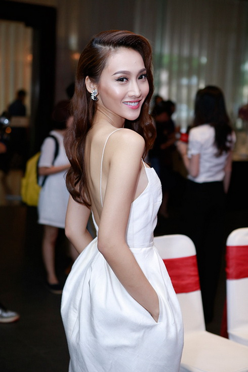"cong vinh dong phim de ""chieu long"" thuy tien - 6"