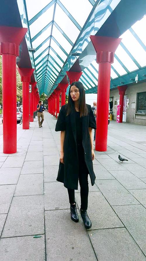 hoang thuy, cha mi len duong chinh phuc san dien chau au - 4