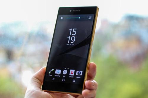 smartphone 4k cua sony hien thi hau het noi dung o do phan giai fullhd - 1