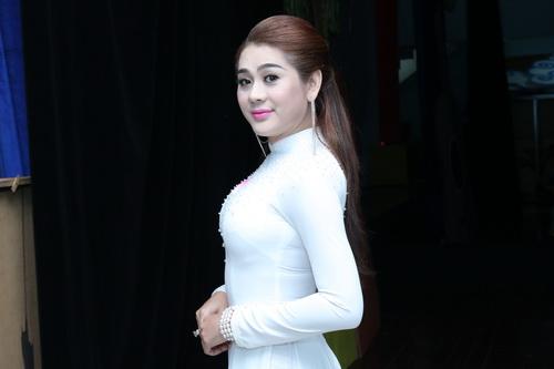 minh beo khoc nuc no canh dien vien hoang lan - 11