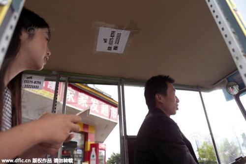 tq: di 'xe om' duoc su dung wifi va ipad mien phi - 2