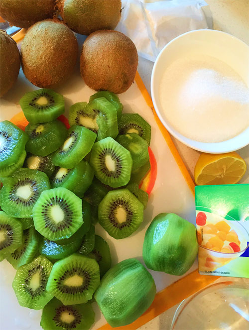 keo cuon kiwi thom ngon dep mat cho bé - 1
