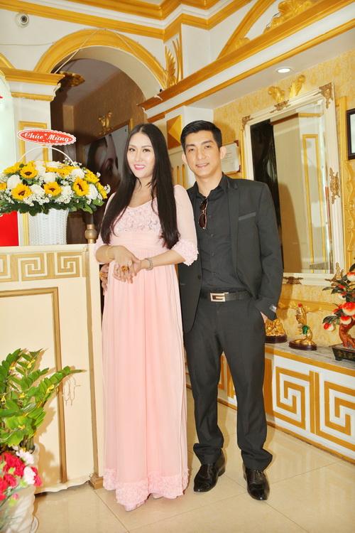 "vo chong phi thanh van hanh phuc sau nghi an ""bau gia"" - 2"