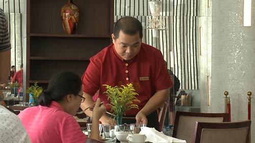 "tap 15 'bo oi'2: minh khang duoc phong ""nguoi hung"" vi dam mang vo - 5"