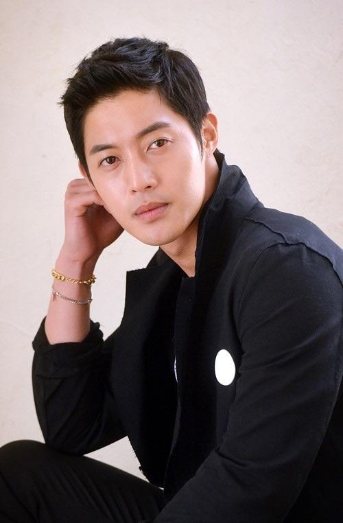 ban gai cu up mo kim hyun joong khong muon nhan con - 3
