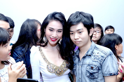 "thuy tien, son tung ""ngop tho"" giua vong vay fan - 6"