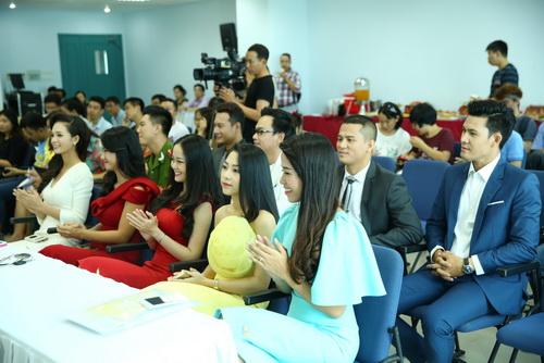 """tham hoa mc"" lot top 10 nguoi dan chuong trinh - 3"
