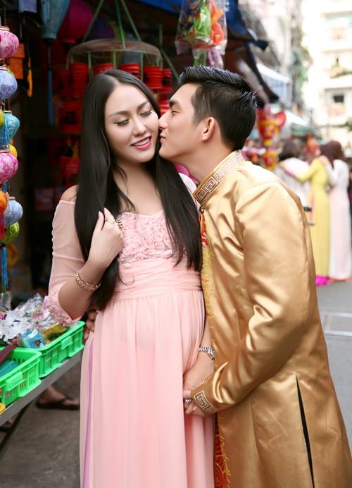 ba bau phi thanh van dao pho long den cung chong - 5