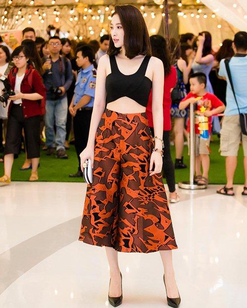 angela phuong trinh khoe eo thon tai su kien - 1