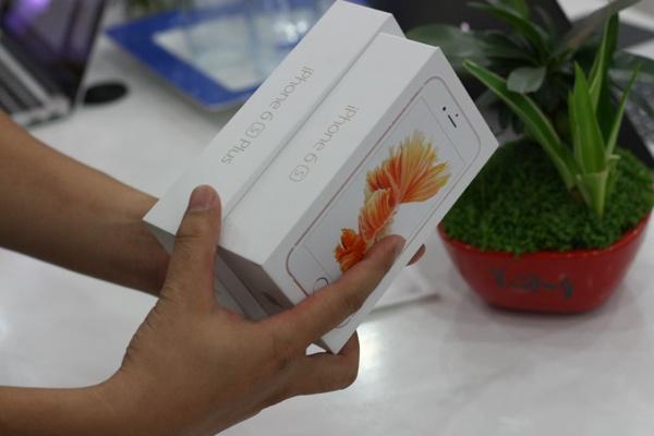 can canh iphone 6s mau vang hong dau tien ve viet nam - 14