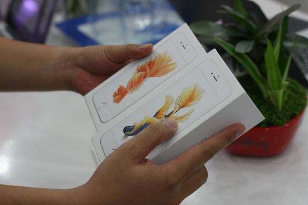 can canh iphone 6s mau vang hong dau tien ve viet nam - 13