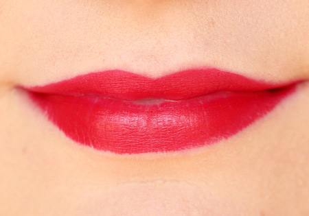 danh gia thoi son voi do ben mau 12 tieng nyx matte lipstick - 11
