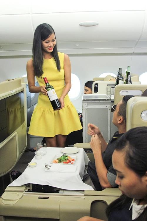 vietnam's next top model tap 9: thi sinh nuc no xin bo cuoc - 7