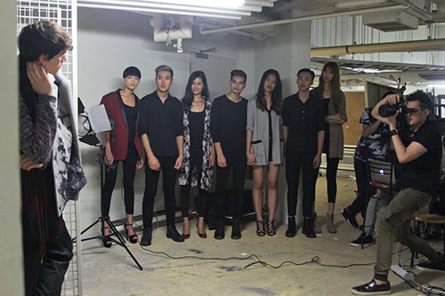 vietnam's next top model tap 9: thi sinh nuc no xin bo cuoc - 14