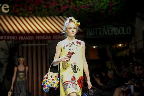 tinh yeu nuoc y nong chay trong bst dolce & gabbana - 3