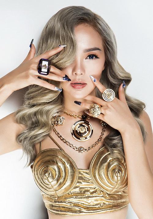 """tuan qua: angela phuong trinh lien tuc """"dau sac"""" diem my 9x - 13"""