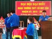 Giáo dục - Tặng huy hiệu Tuổi trẻ dũng cảm cho HS cứu cô giáo trong lũ dữ