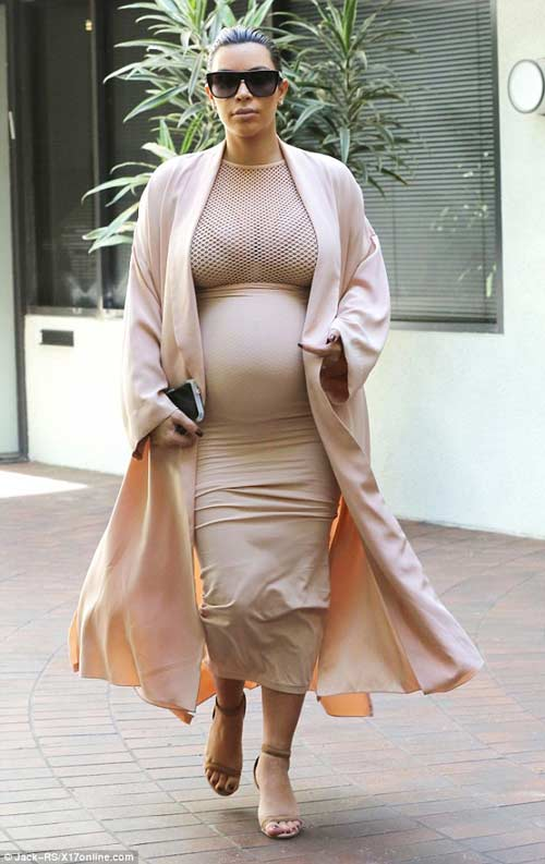kim kardashian lo co the map u khi mang bau 6 thang - 1