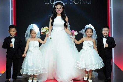 """viet trinh: """"toi khong co xuy ai lam me don than"""" - 3"""