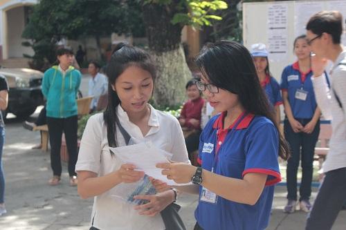 la: 2.100 thi sinh long an len tp. hcm thi cho gan - 1