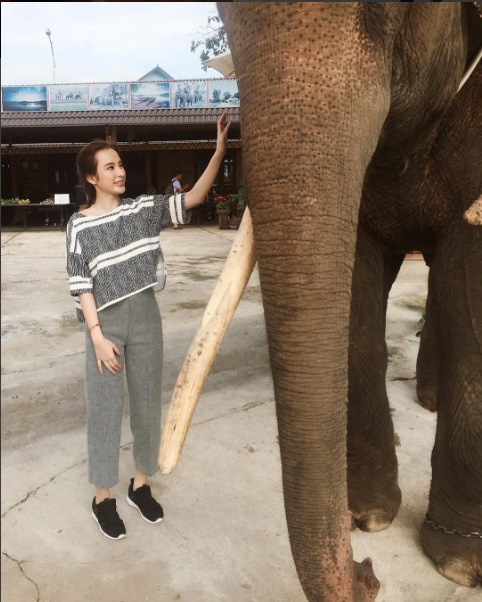 Chán quyến rũ Angela Phương Trinh lại về với style gái ngoan-4