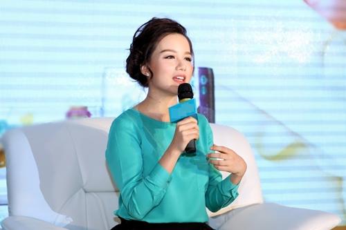 "vo chong luu huong giang tung ""hoang mang"" truoc khi sinh be thu 2 - 15"