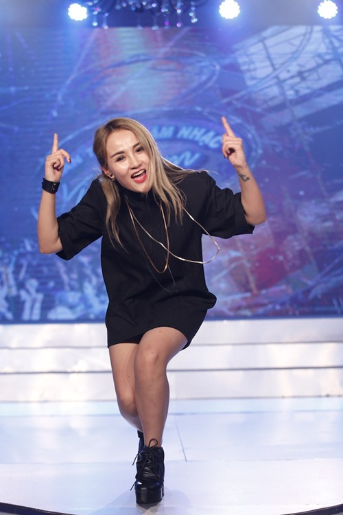 "vietnam idol: duy ""bun bo"" va co gai phlippines lam thu minh thich thu - 3"